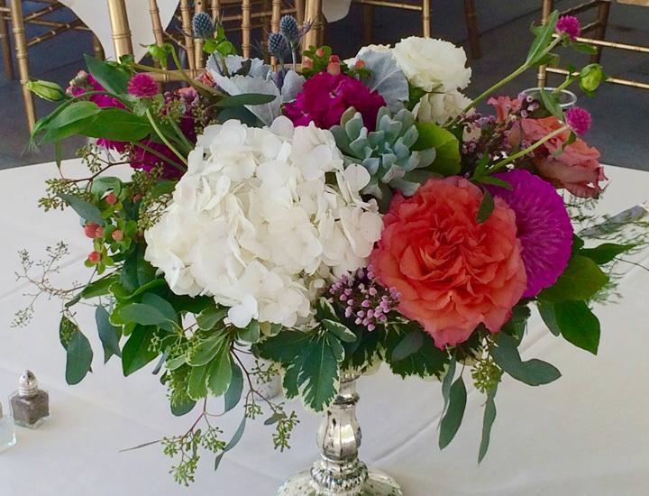fresh-flowers-table-setting