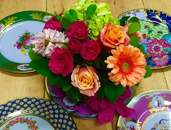 placesetting-colorfull-plates