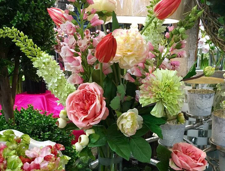 silk-arrangment-bright-pinks