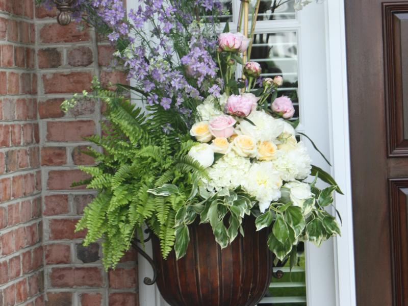 Floral arrangement of a classic garden wedding