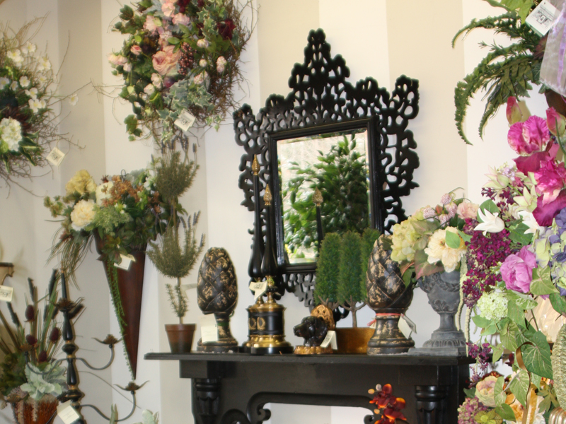 Home decor furniture and flowers