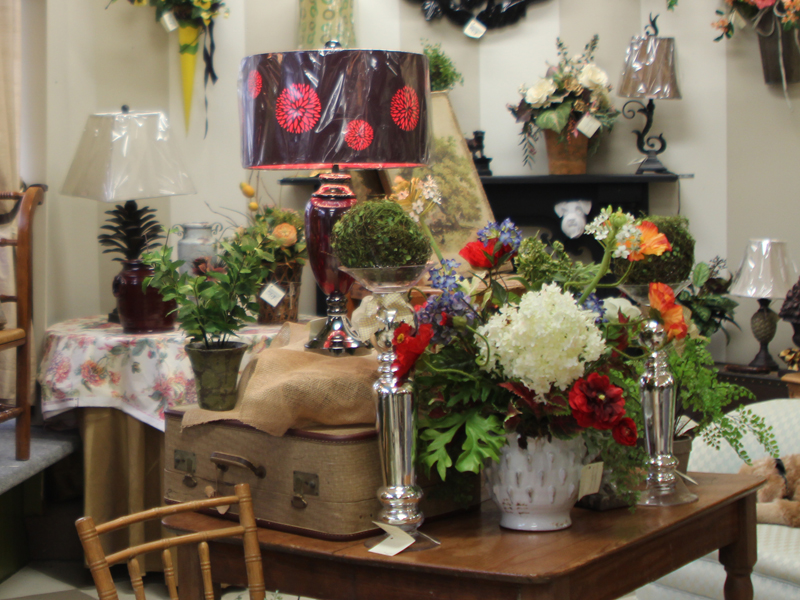 Home decor lamps and flowers