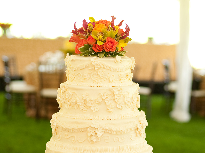 Cake at a modern style summer wedding