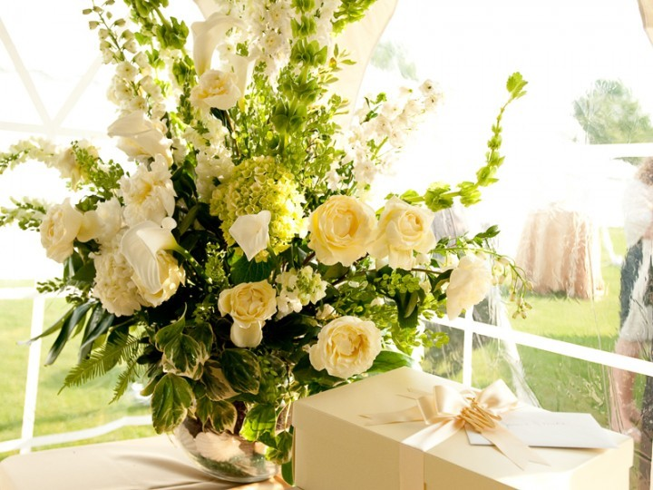 Modern Summer Wedding Flowers - Wisteria Flowers and Gifts