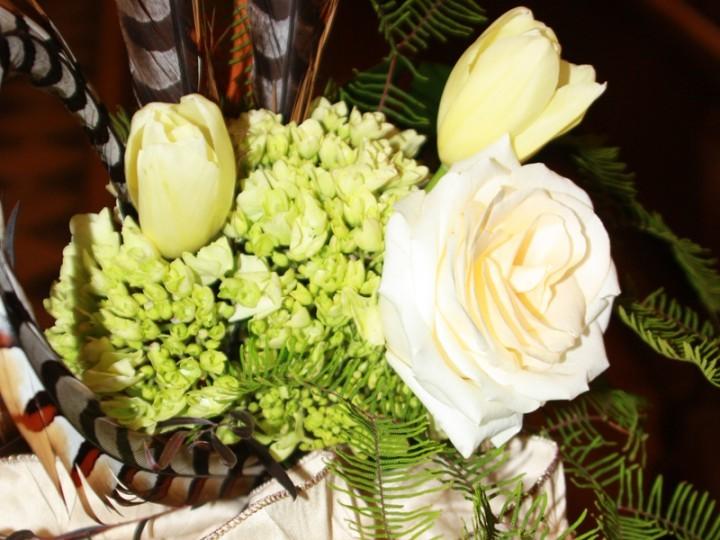 Vintage style wedding white flowers