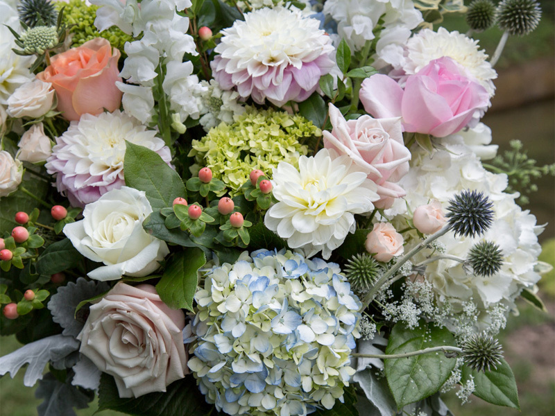Pretty pastels wedding floral arrangement