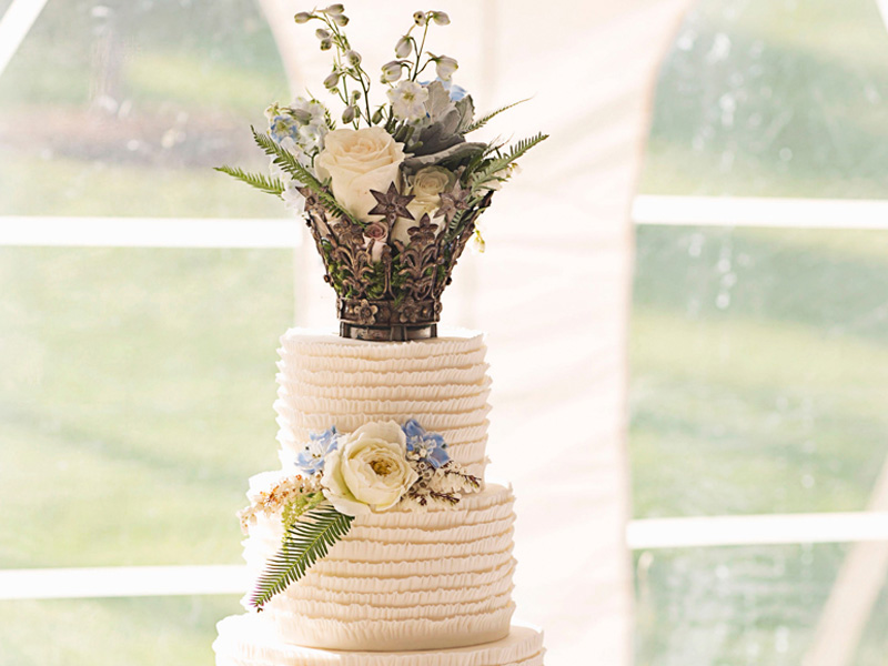 Rustic dream wedding cake