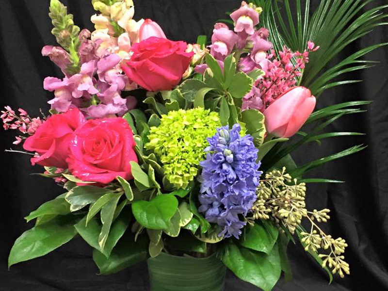 Floral bouquet valentine arrangement
